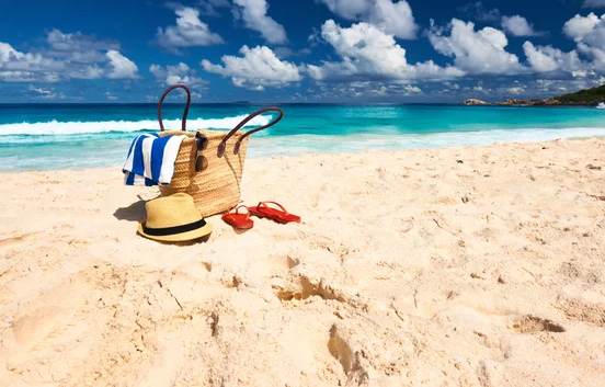Farbenfrohe Strandtaschen bei Leder Bazlen