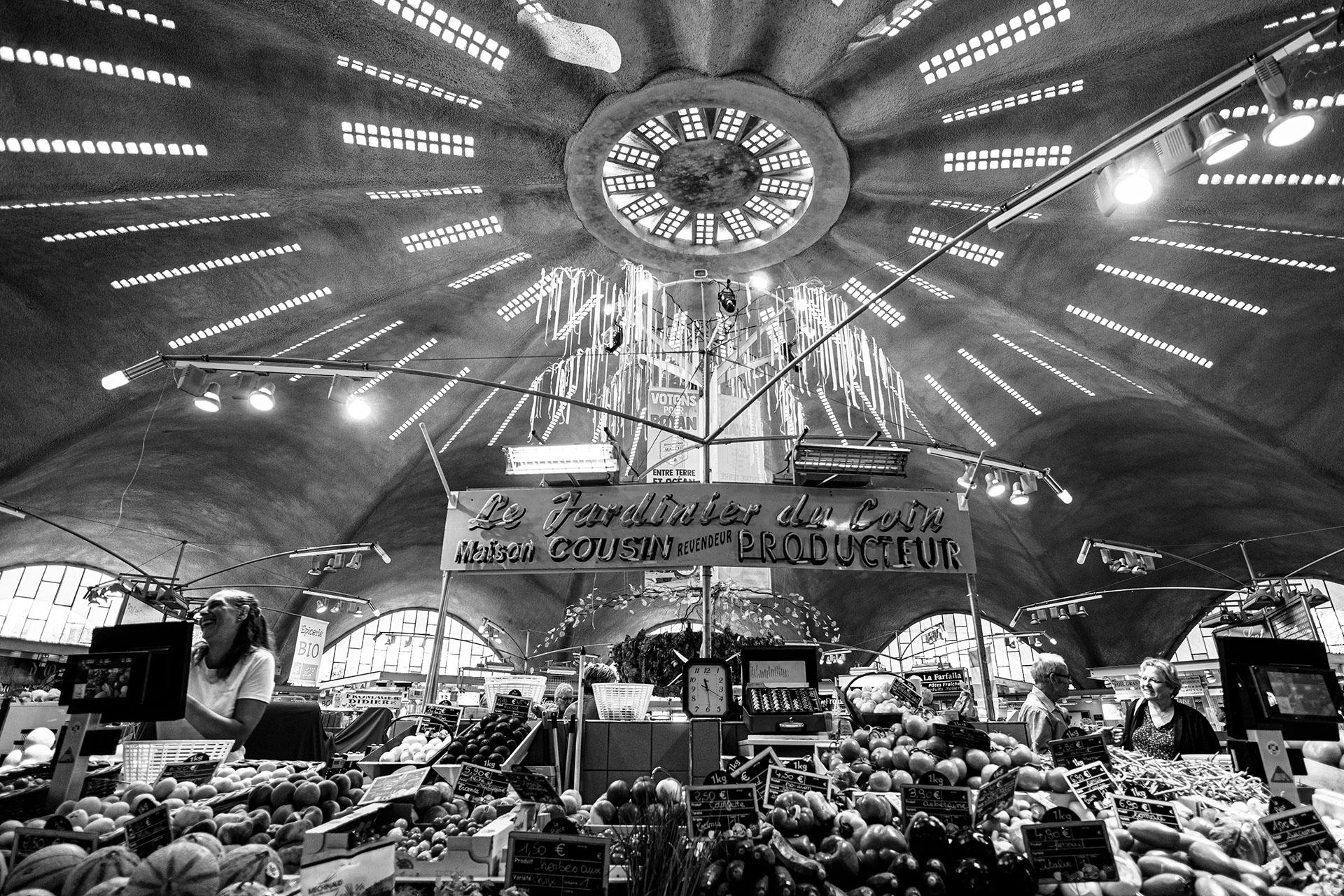 hall du marché Royan, France ©martin_schitto @fotomartsch