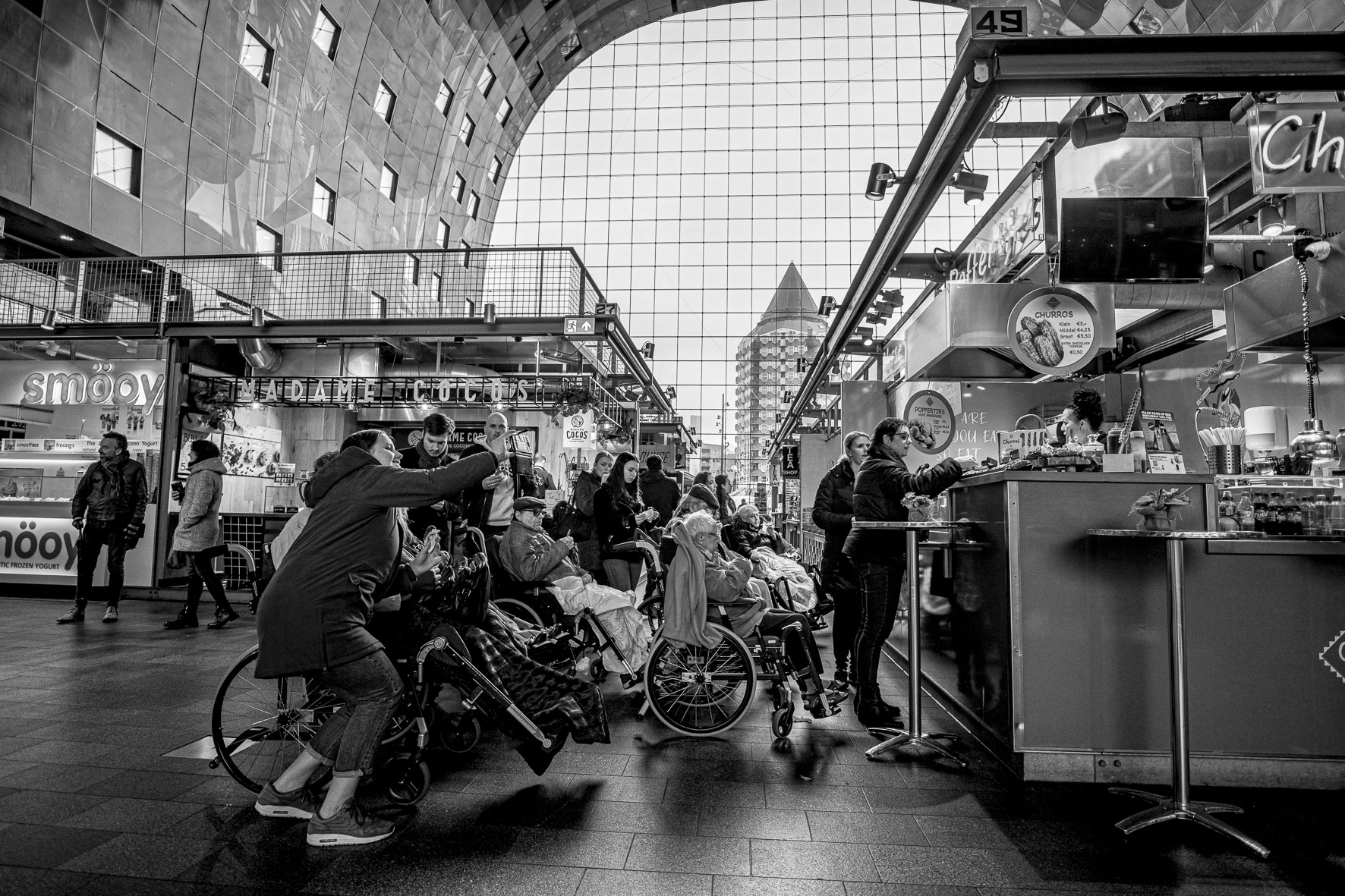 Rotterdam Market Hall Customers on wheels  ©martin_schitto @fotomartsch