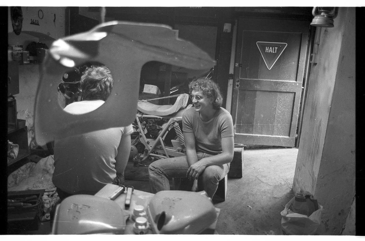 Motorradkeller: (v.l.n.r.:) nnb, Tom Höfler