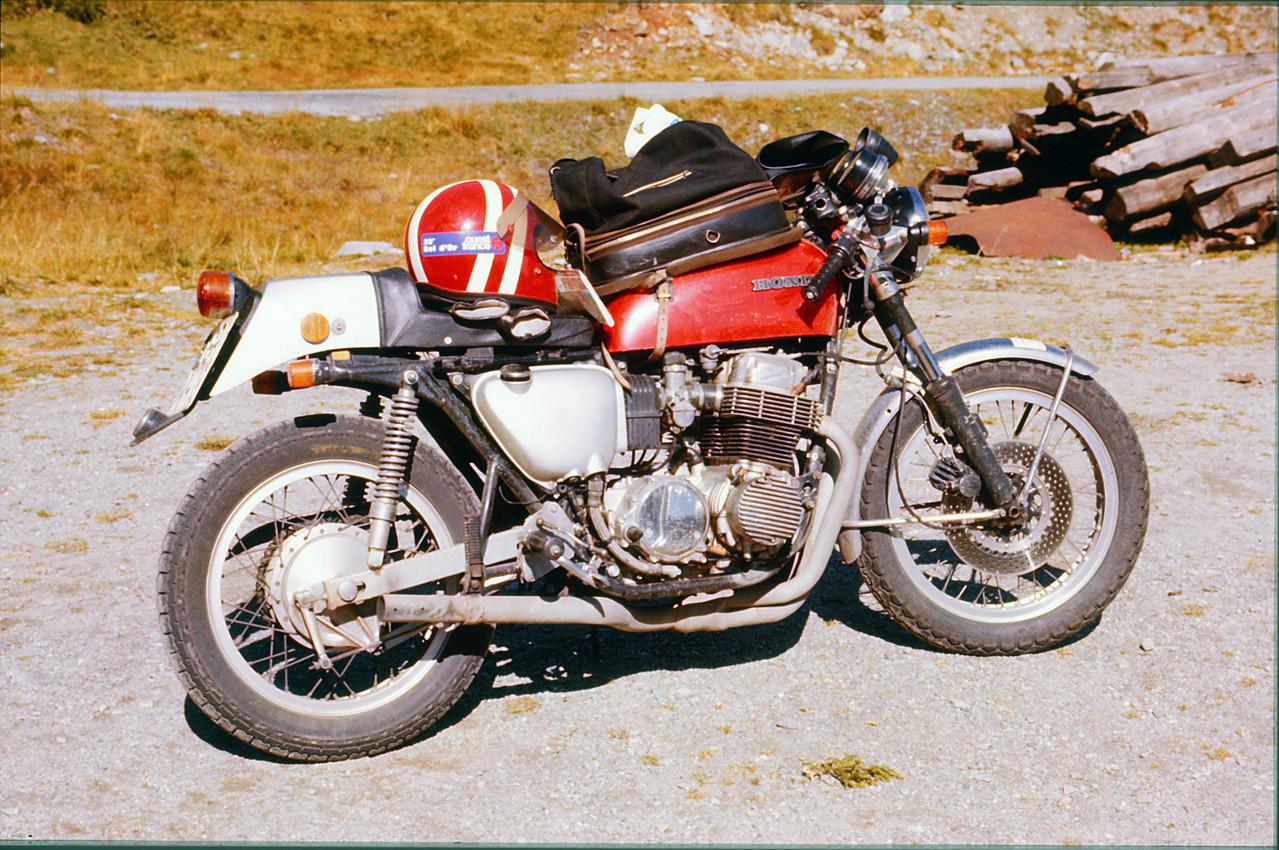 GRZ_75_alp_0001 / Heiko Bartels auf Alpenpaß - auch im Winter wird Motorrad gefahren!, © Heiko Bartels