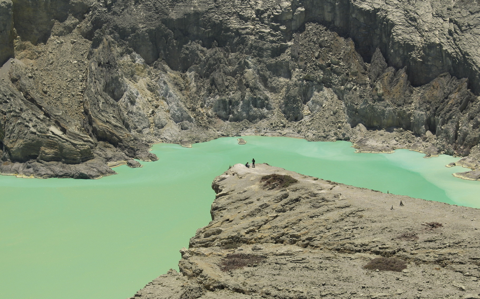 Kawah Tour: Ijen and Bromo mountains are Java-East's pearls, come discover our tours.