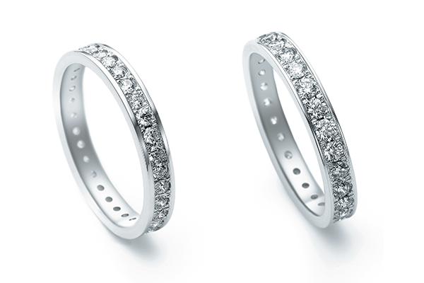 向かって右が2ミリダイヤモンド、左が1.7ミリダイヤモンド