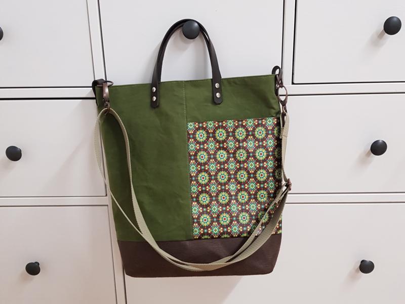 Taschen aus Wachstuch und mit Stern oder auch neu mit Kunstleder und Plott sind der neuste Hit von buntspatz