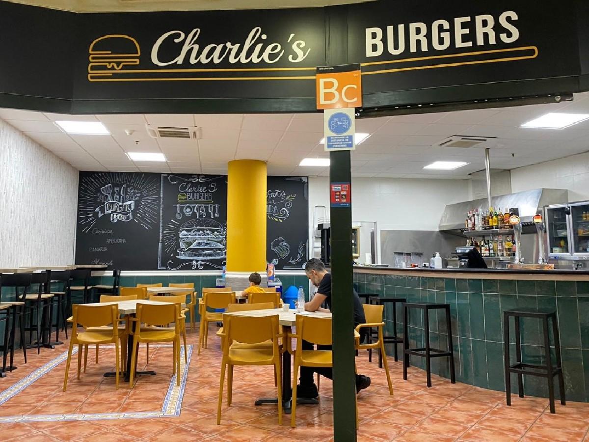 Charlie's Burger en Candelaria - Centro Comercial Punta Larga