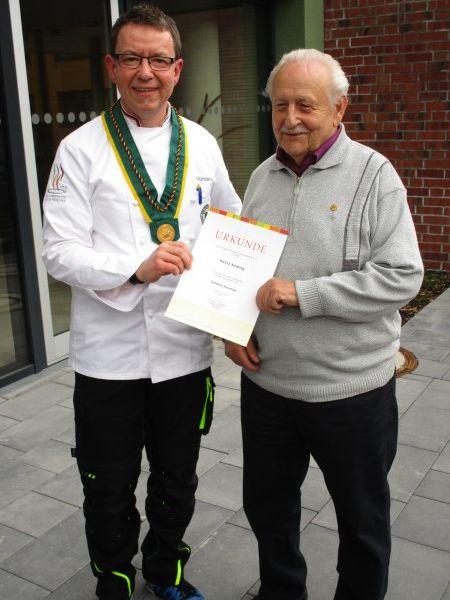 Heinz Anding erhält die zweithöchste Auszeichnung des Verbandes der Köche Deutschlands e.V. (vkd.com) - Das goldene Kleeblatt