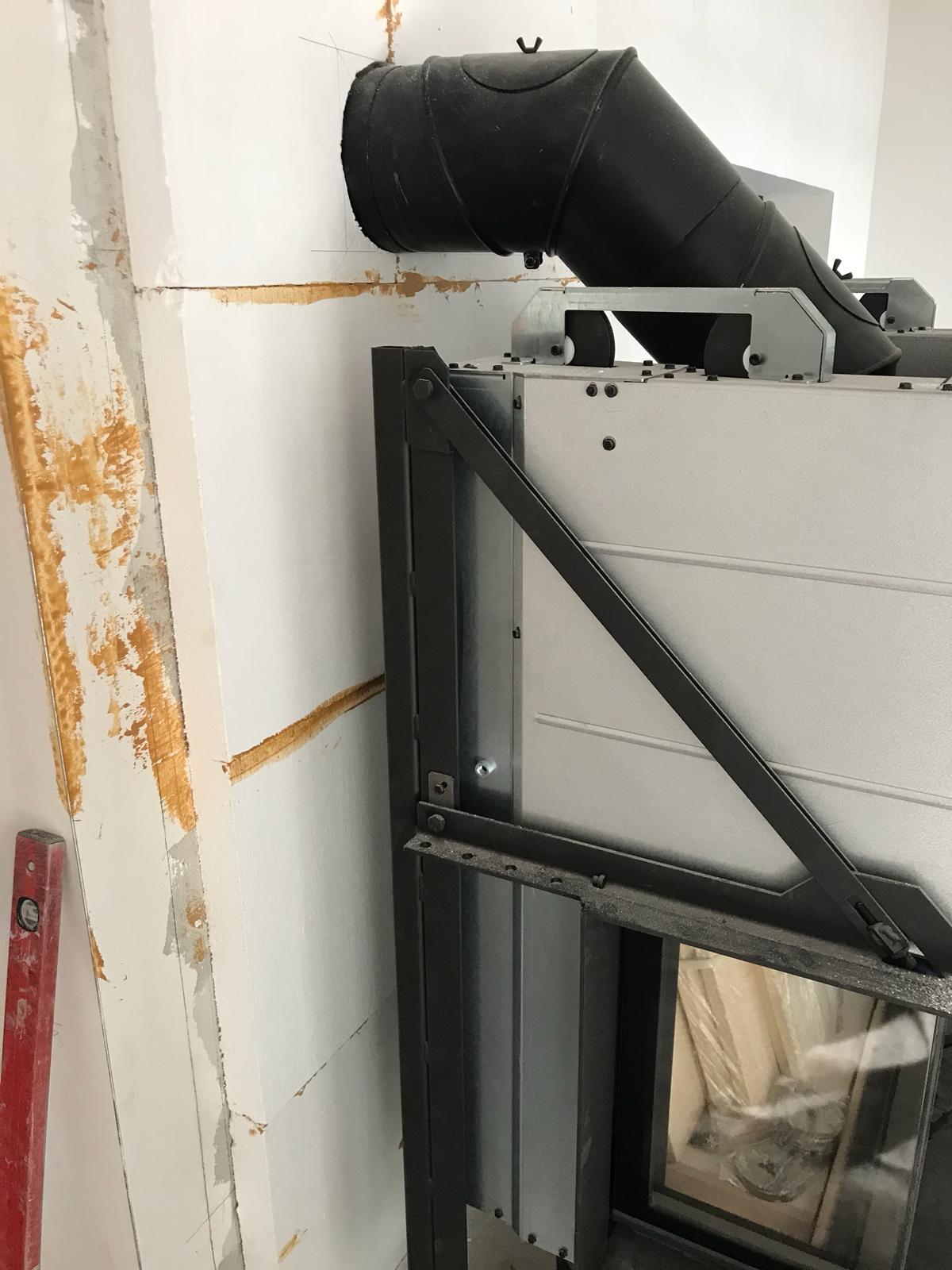 Die 60 mm Promasil Brandschutzplatten sind wurden mit Spezialkleber (1100°C hitzebeständig) vollflächig verklebt.