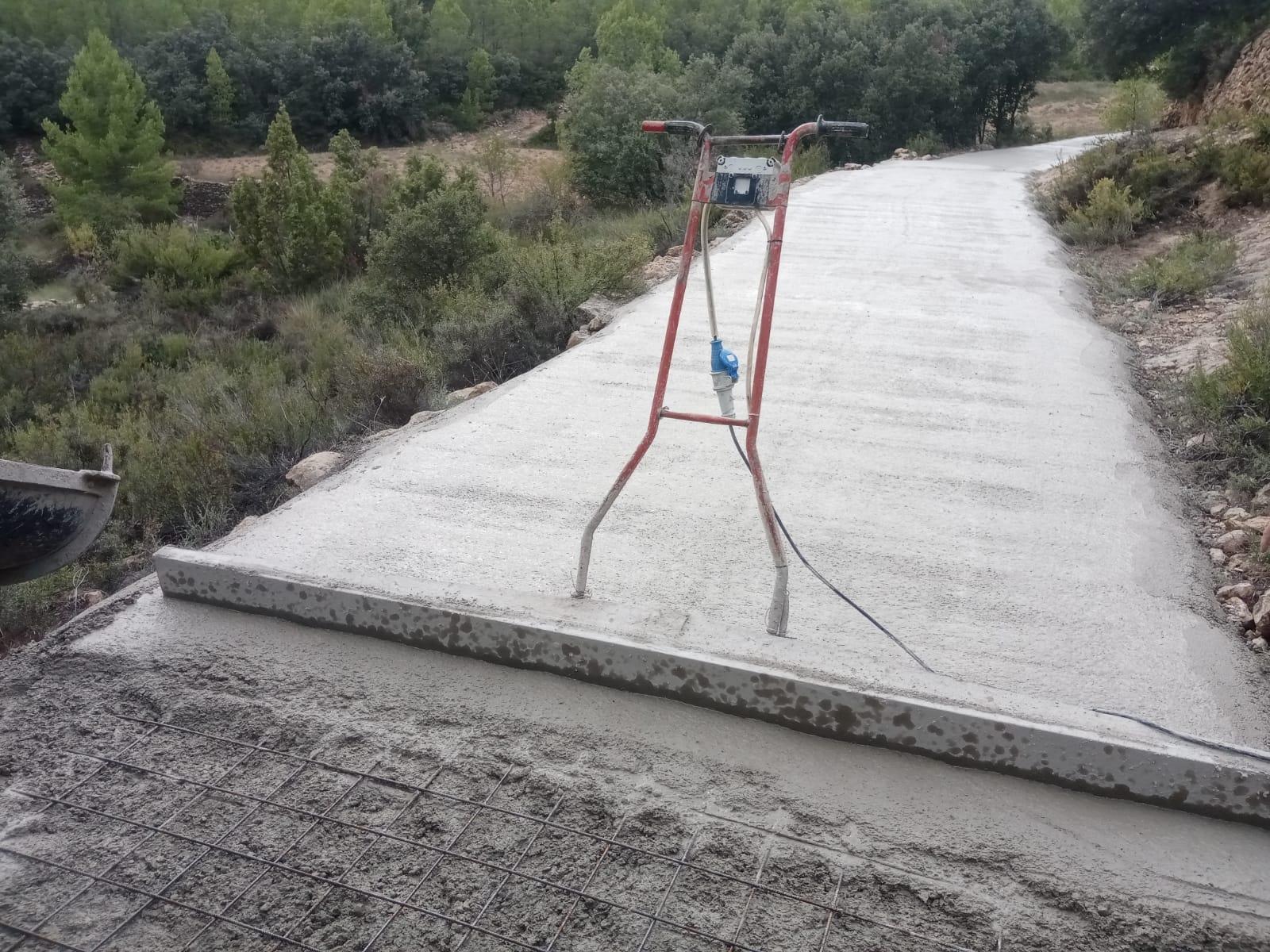 Pavimentación camino Penya Corta en Palanques