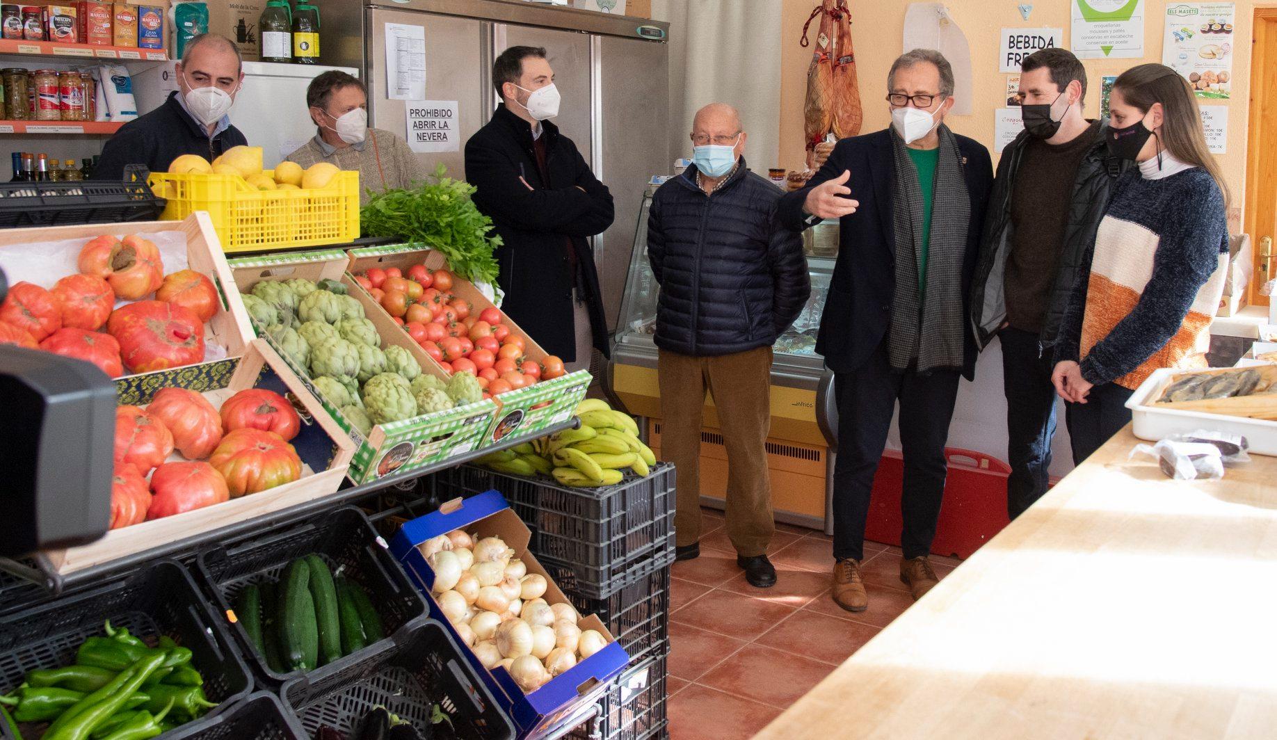 Adecuación tienda multiservicios en Vallibona