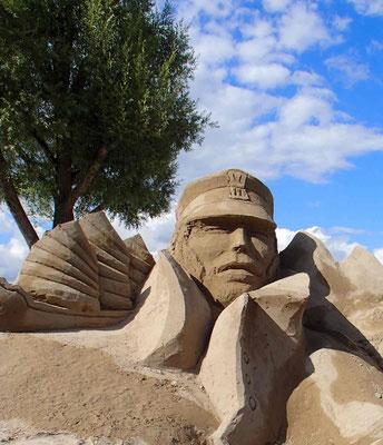 Corto Maltese -sculpture sur sable, Fête du sable Excenevex , Manon Cherpe