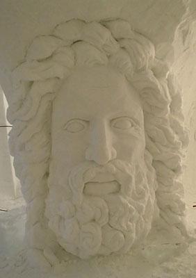 Zeus - sculpture sur neige - Grotte de neige des Arcs - Manon Cherpe
