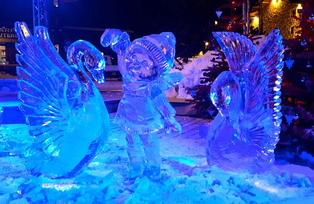 Petite fille aux cygnes - Sculpture sur glace - Val d'Isère - Manon Cherpe