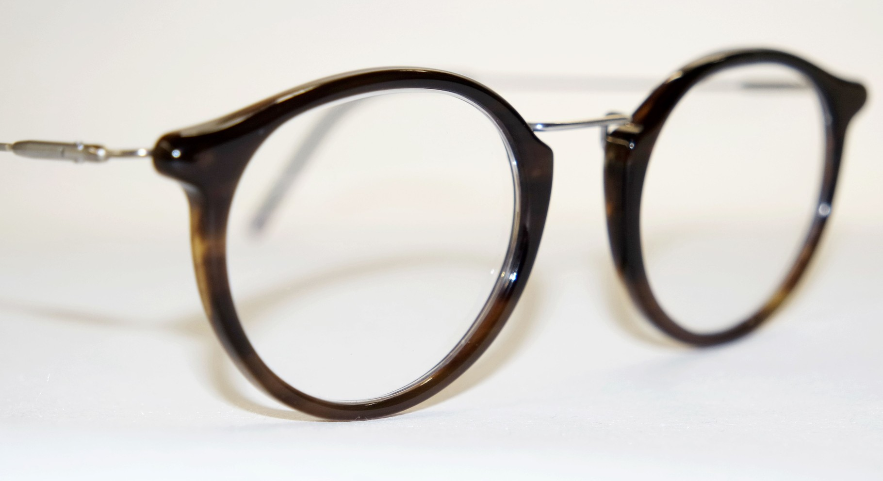 Klassische Büffelhornbrille