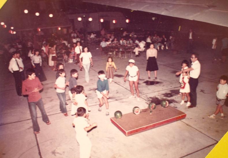 小名浜名店街屋上。年代不明。夏祭りのイベント。