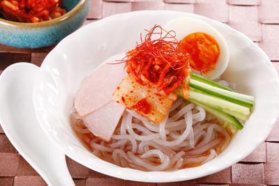 こんにゃく麺の冷やし中華・韓国風冷麺