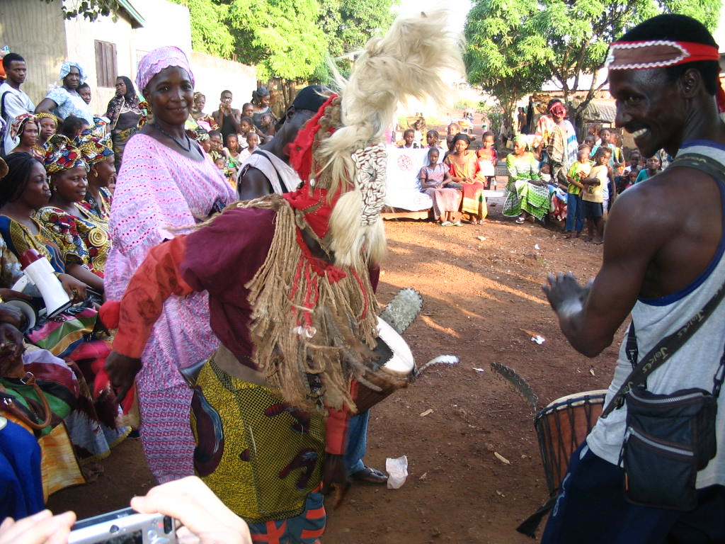 Sayon plays for Kawa celebration in Cosa, Guinea