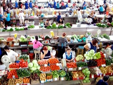 Le grand marché à Irkoutsk