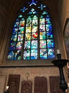 城内の教会のステンドグラス