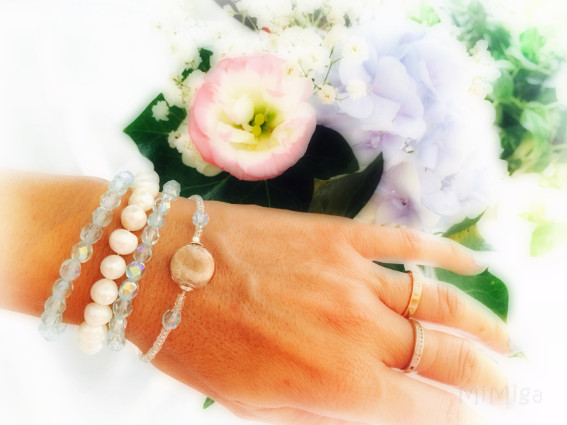joya-artistica-novia-con-pelo-animal-mimiga-conjunto-pulseras-boda-plata-ley-cristal-facetado-perlas-agua-dulce-gato-nyc
