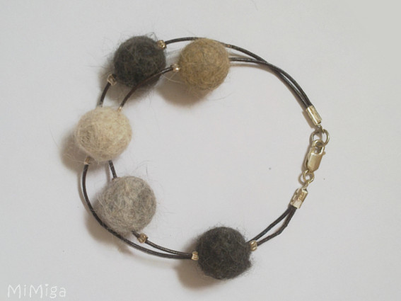 artistic-pet-hair-jewellery-braclet-hair-from-own-5-cats