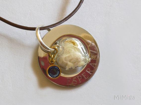 joya-artistica-mi-miga-collar-recuerdo-cuero-plata-ley-aro-acero-grabado-swarovski-element-corazon-cristal-pelo-animal-gato-esperanza-detalle