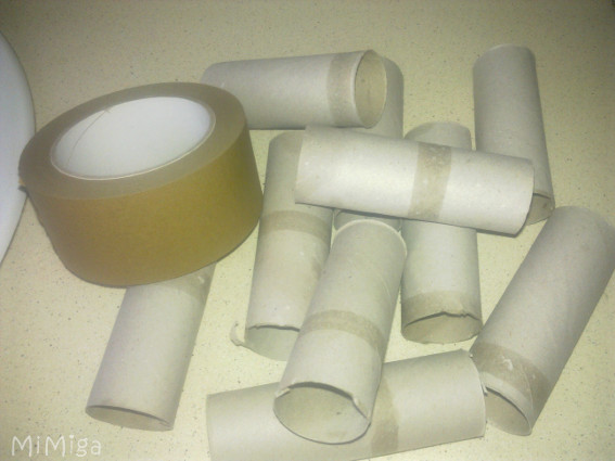 diy-cat-toy-recycled-paper-rolls
