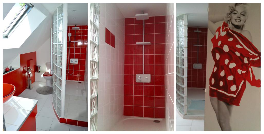 Salle de bain avec grande douche et wc du gite 70's Vintage en Normandie