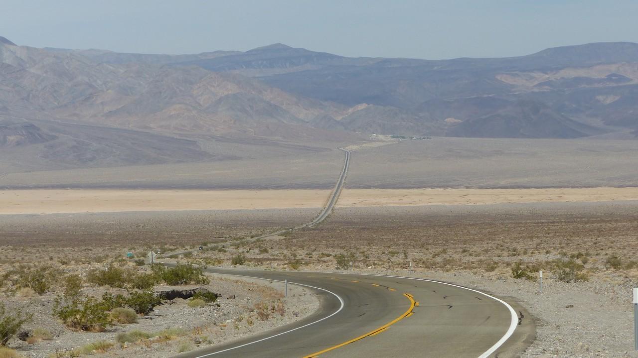 Aujourd'hui, nous aurons 300 km de route monotone ...