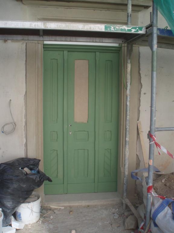 Die Eingangstür von der Ziegelgasse musste nachgebaut werden.