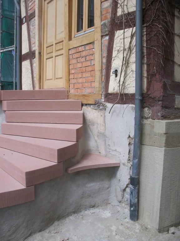 Die Treppe im rückwärtigen Detail.