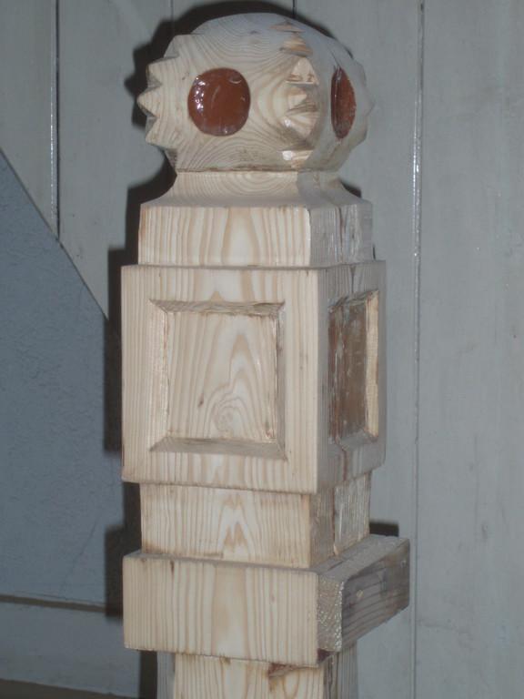 Viele Schleifarbeiten stehen an: im Treppenhaus...