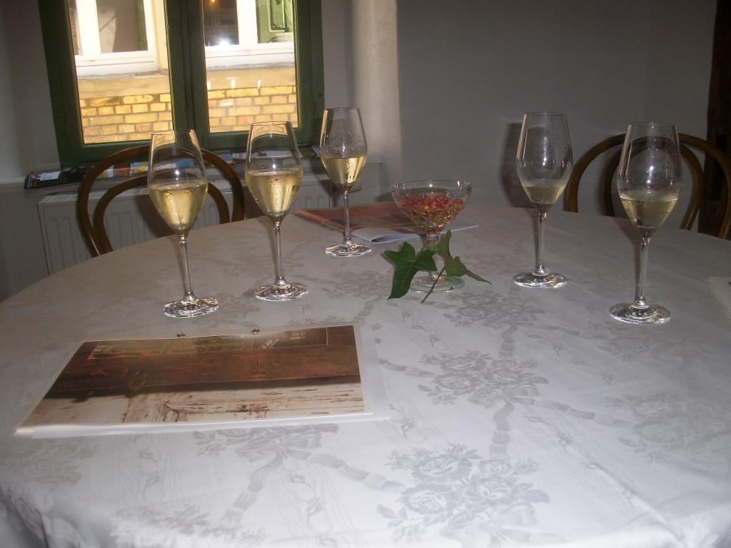 Genießen Sie in der Weinstube unsere Weine...