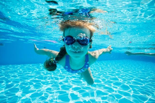 もうすぐプールの季節!子供脱毛おまかせください