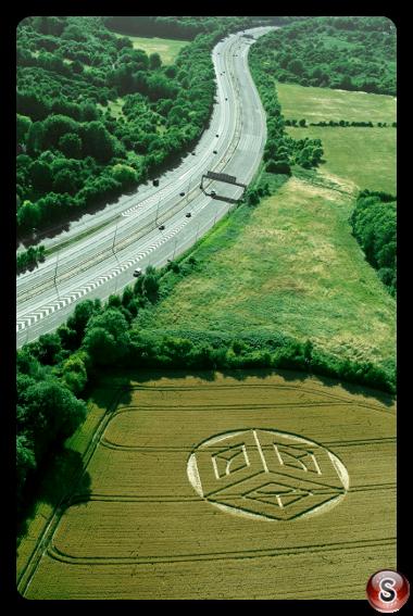 Crop circles - Merstham Warwickshire UK 2015