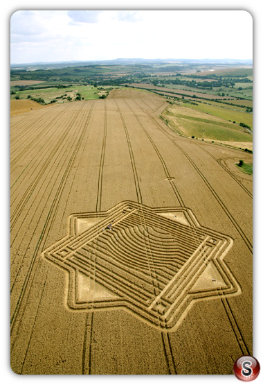 Crop circles - Whitefield Hill 2010