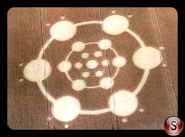 Crop circles - Pilmgrim's Way 2004