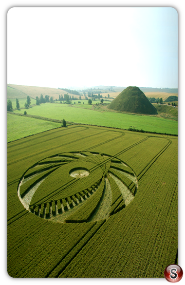 Crop circles - Silbury Hill, Wiltshire 2005
