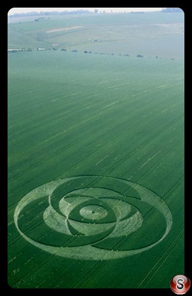 Crop circles - Liddington Castle Wiltshire 2001