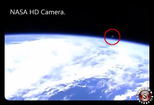Oggetto misterioso ripreso durante la diretta streaming