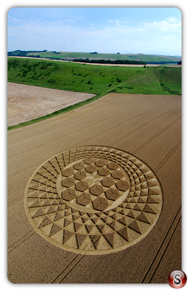 Crop circles - Sugar Hill, near Aldbourne, Wiltshire, 2007