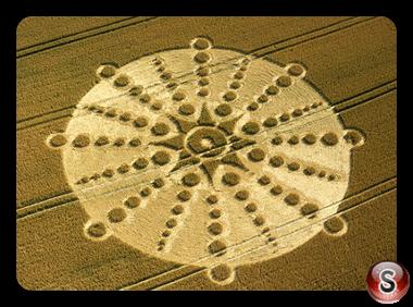 Crop circles - Old Shaw Village Wiltshire 2001