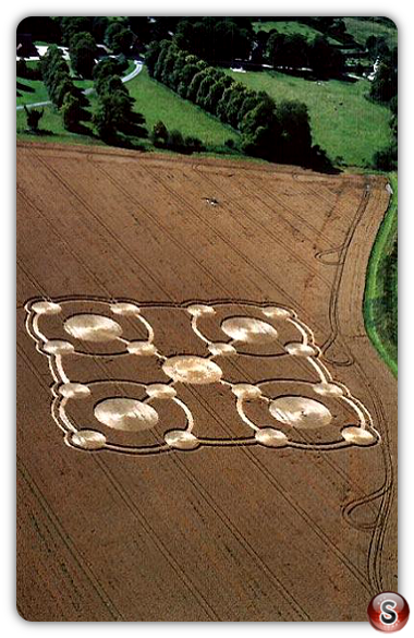 Crop circles - Avebury Manor, Wiltshire 2005