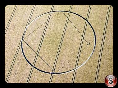 Crop circles - Aldbourne Wiltshire 2012