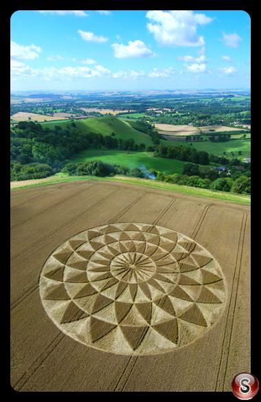 Crop circles - Martinsell Hill, Ramsbury, Wiltshire 2007