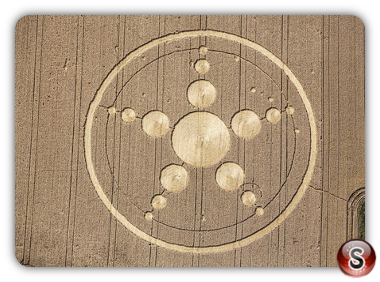 Crop circles - Haunsheim, Bayern (Bavaria) Germany.  2013