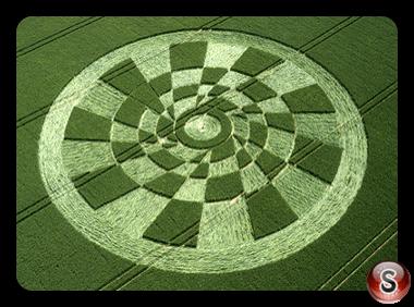 Crop circles - Tan Hill Wiltshire 2003