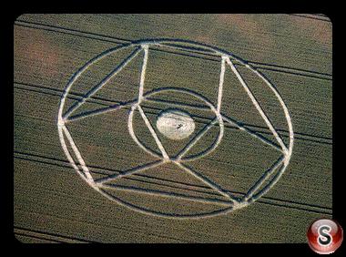 Crop circles - Winterbourne Bassett, Wiltshire 1995