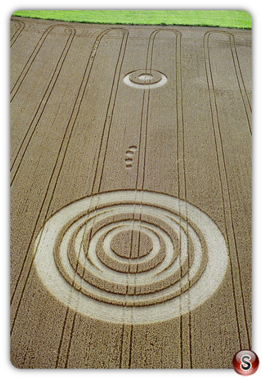 Crop circles - Acton Turville, Gloucestershire 2001