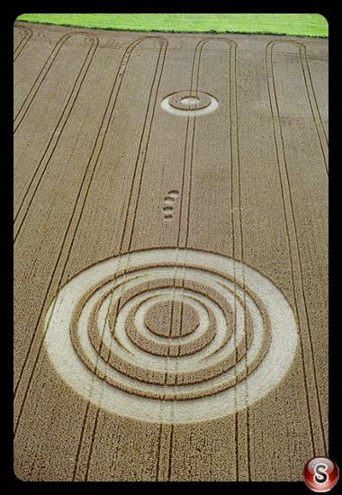 Crop circles - Acton Turville Gloucestershire 2001
