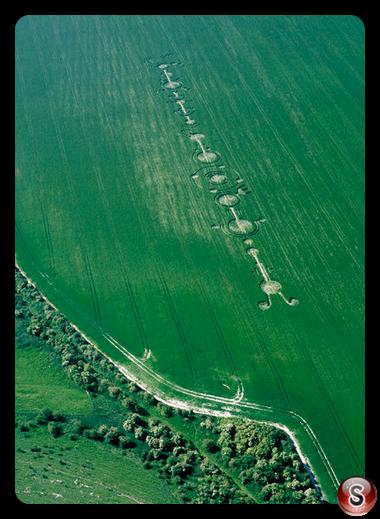 Crop circles - East Field Alton Barnes Wiltshire 1999